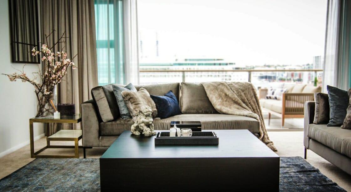 faye resnick interior design website layout